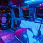 Неоновая подсветка салона патибаса Шевроле байкер