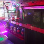 Барная стойка в клубном автобусе